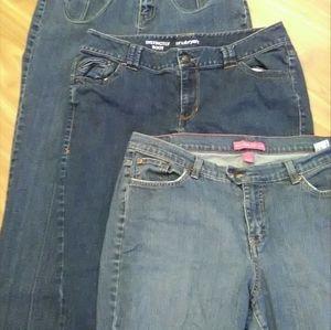(3) Pair Jeans